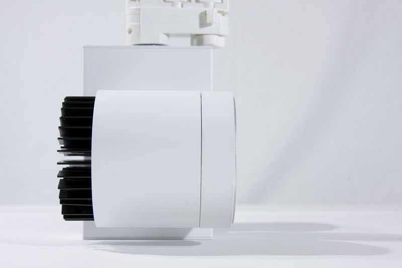 LED Stromschienenstrahler Serie TR - Seitenansicht