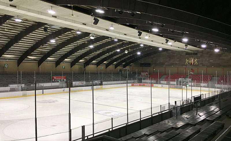 Eissporthallenbeleuchtung