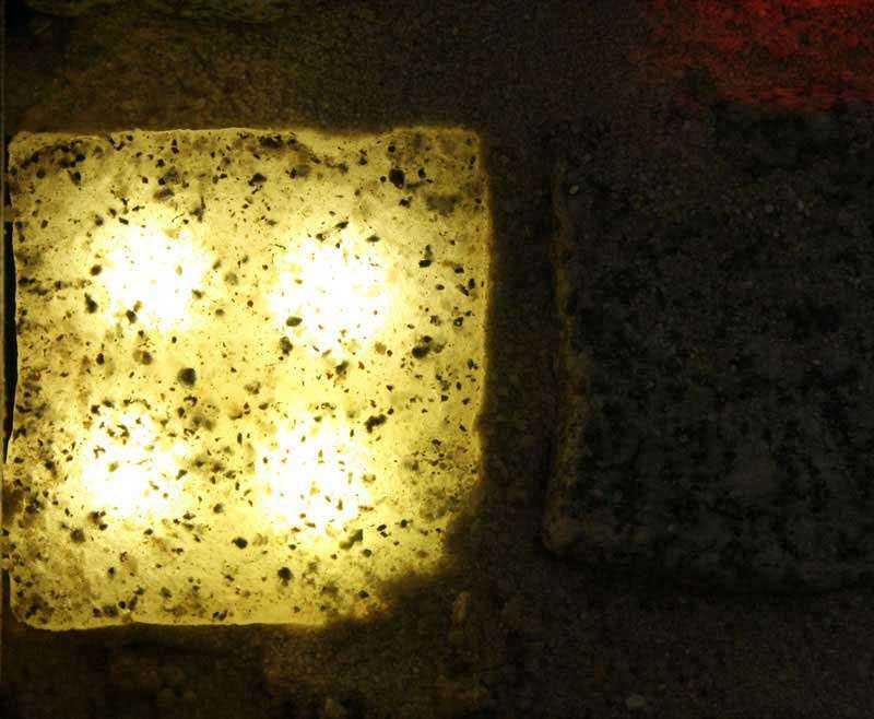 Licht-warmweiss-granit