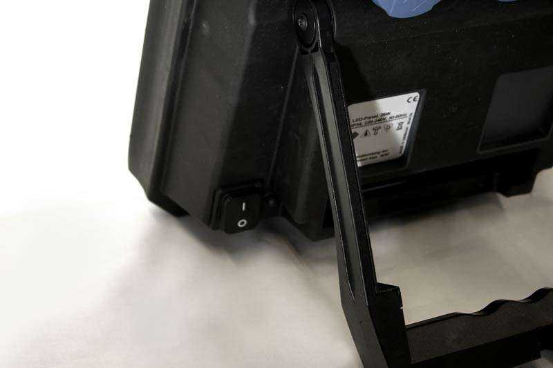 LED Arbeitsleuchte 1DE78 - Ansicht Rückseite 2