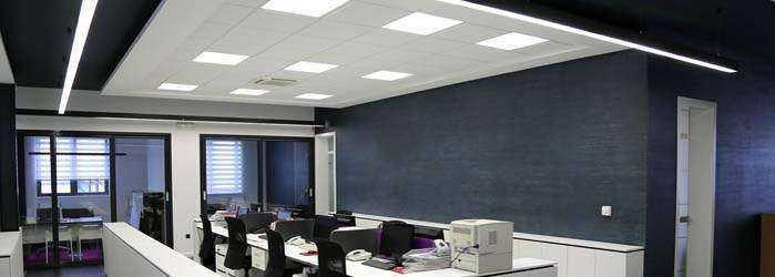 LED Bürobeleuchtung mit Panels