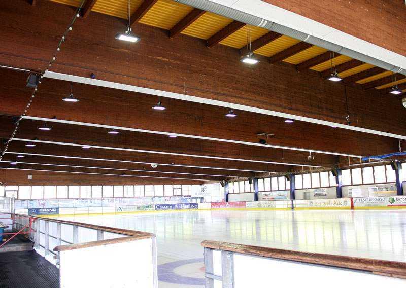 LED Hallenstrahler Eissporthalle Wiehl