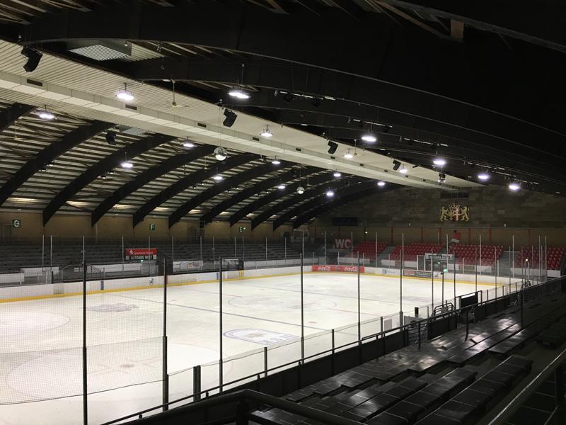 Beleuchtung Eissporthalle