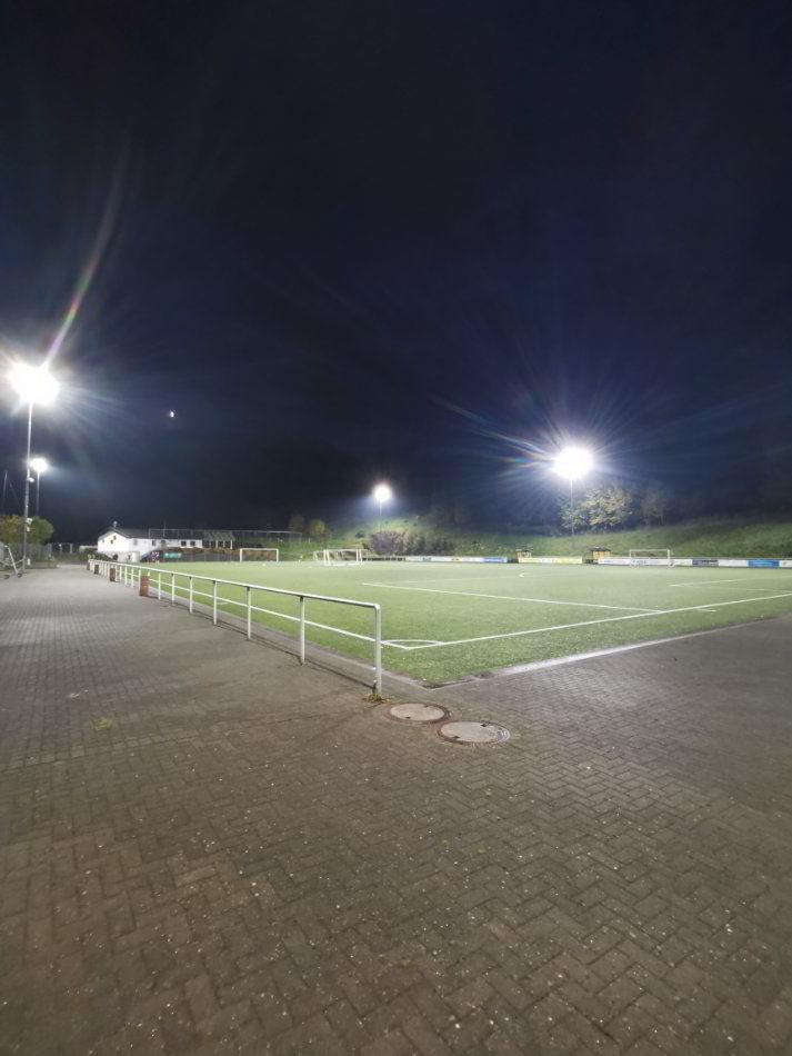 Sportplatzbeleuchtung Sportslight Fußballfeld